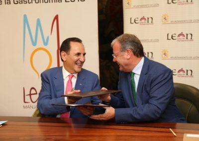 Convenio con el Ayuntamiento de León para incorporar a empresas del sector hostelero-turístico