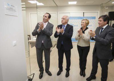 El presidente de La Rioja, José Ignacio Ceniceros, inaugura la nueva oficina de Iberaval en Logroño