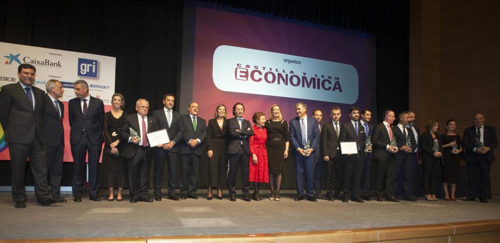Foto de grupo de los Premios Castilla y León Económica