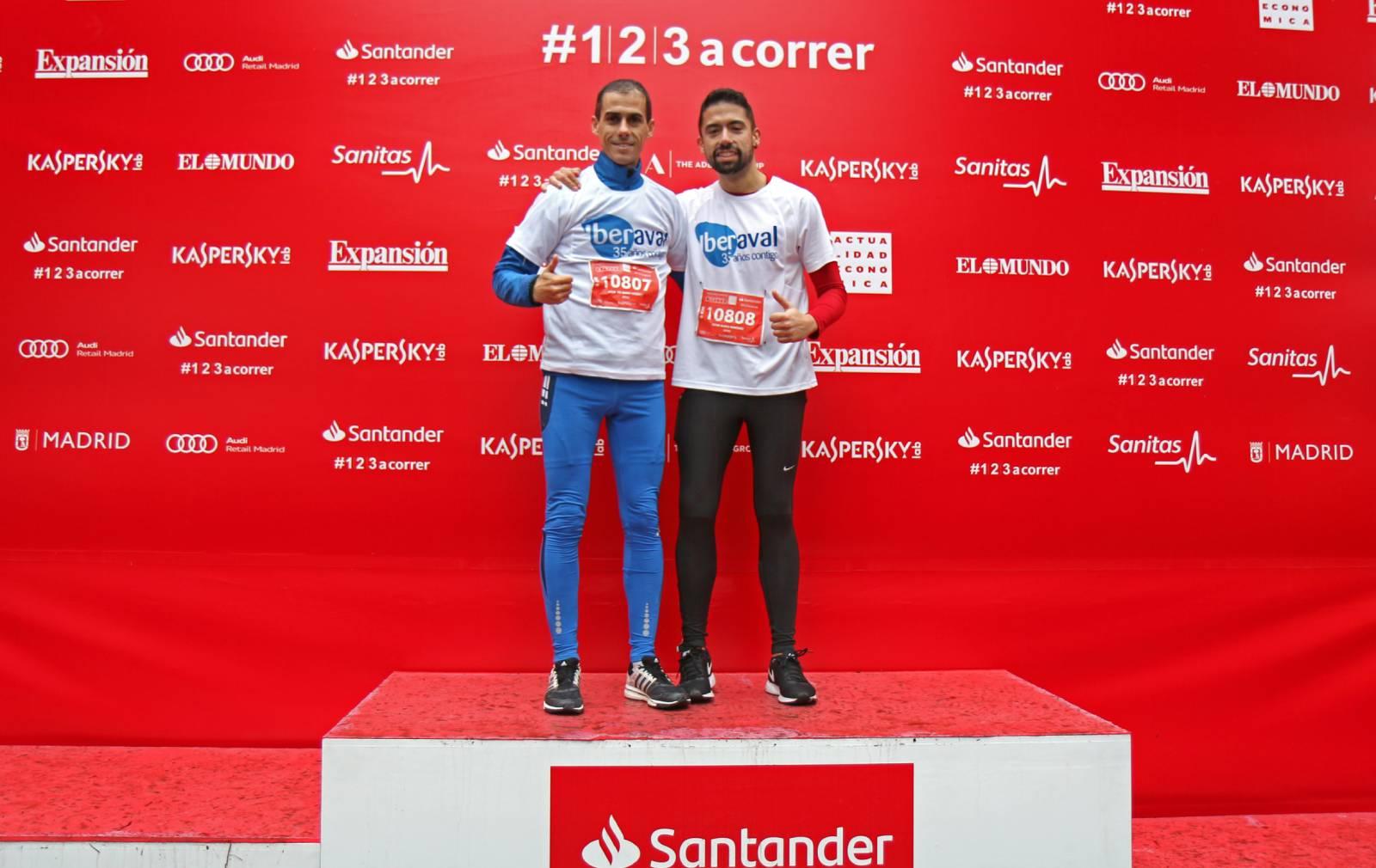 Óscar del Barrio y Víctor Blanco, tras finalizar la carrera