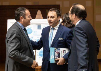 Ernesto González, de Laboral Kutxa, con empresarios
