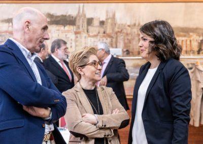 Elena Pérez con empresarios
