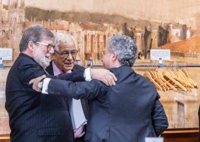 Aparicio saluda amigablemente a Martín Aguado y Palomo