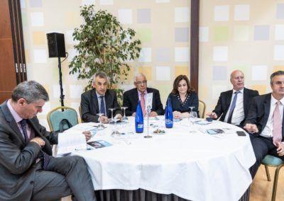 Mesa con empresarios abulenses y del Bierzo