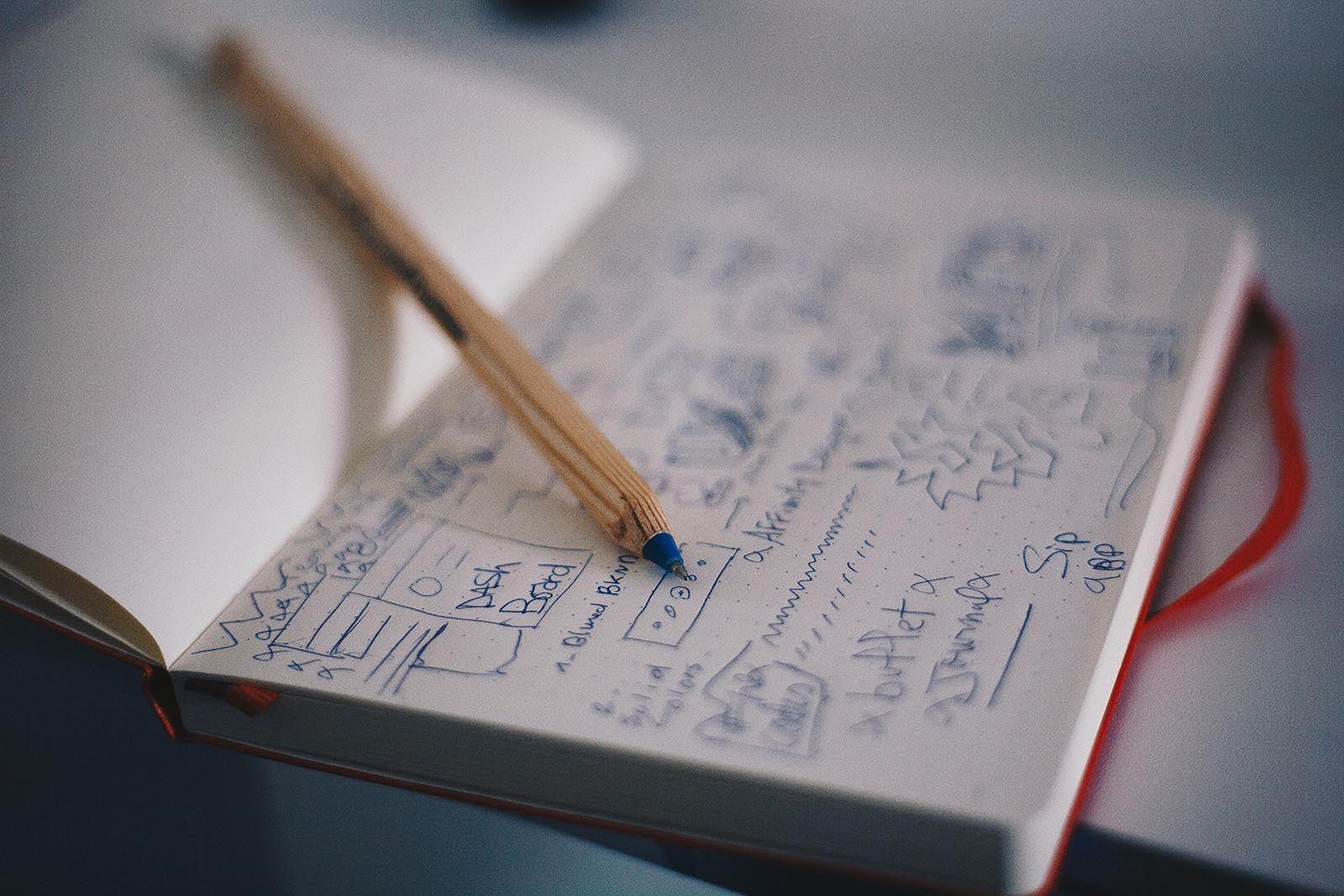 Senor escribiendo