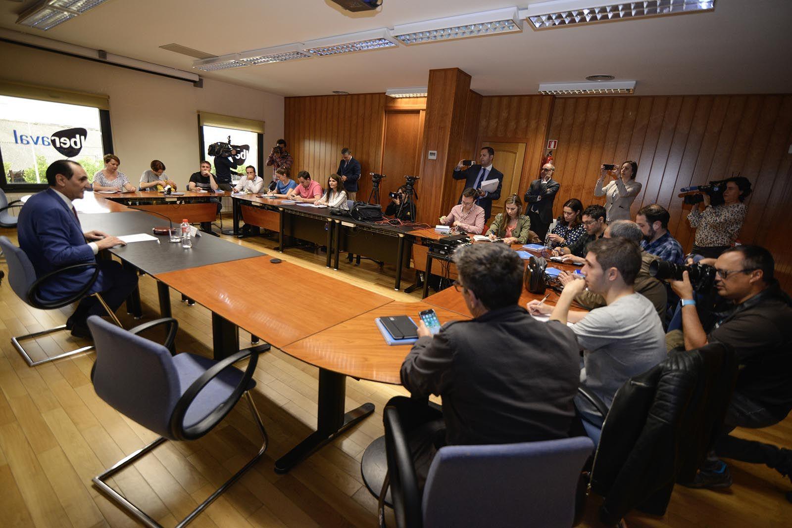 Rueda de prensa de José Rolando Álvarez en la que anuncia su salida de Iberaval