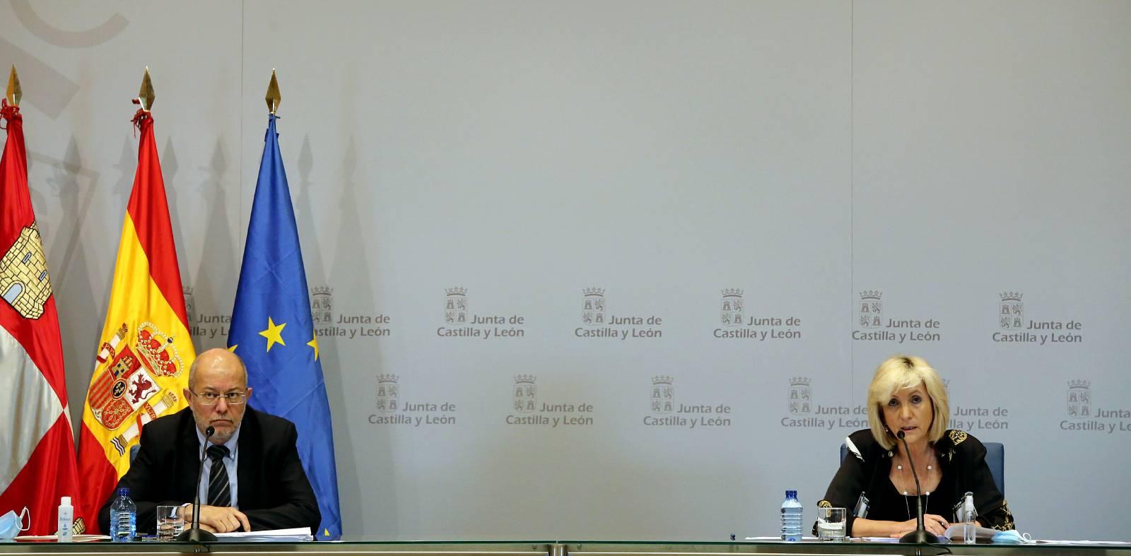 El vicepresidente de la Junta de Castilla y León, Francisco Igea, y la consejera de Sanidad, Verónica Casado, informan del Consejo de Gobierno
