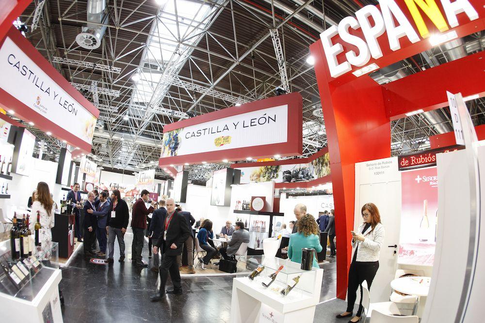 Feria con expositores de Castilla y León y España